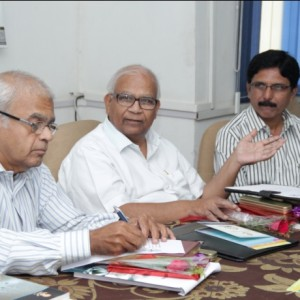 Advisory Members interacting with the IEDC team