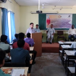 Mr. Ramesh Gera addressing the Suryamitra Skill development programme students